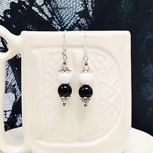 Jewelry - BOGO💫White and Black Bon Bons